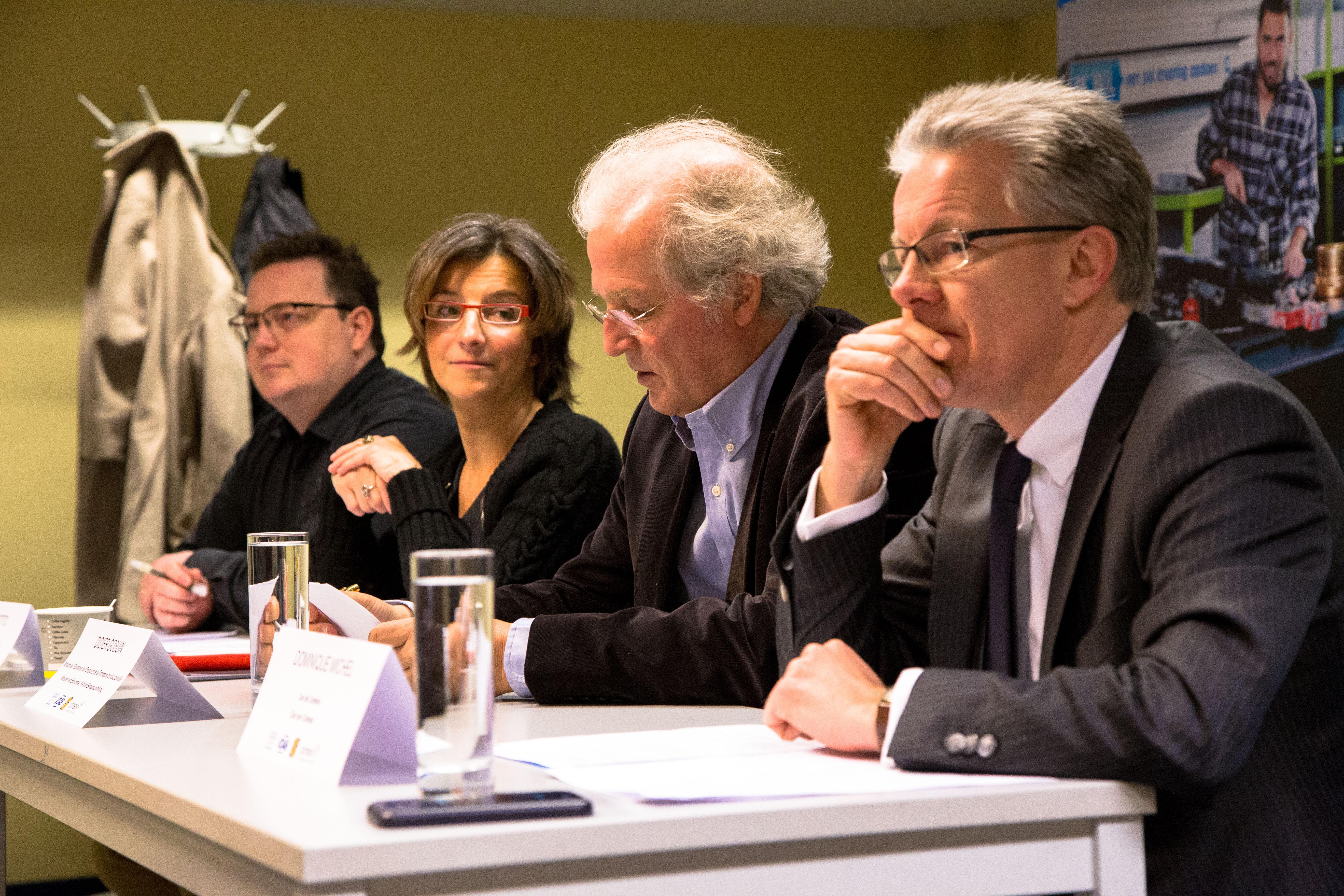 In dit premi re formation en vente bilingue bruxelles didier gosuin - Cabinet recrutement bruxelles ...